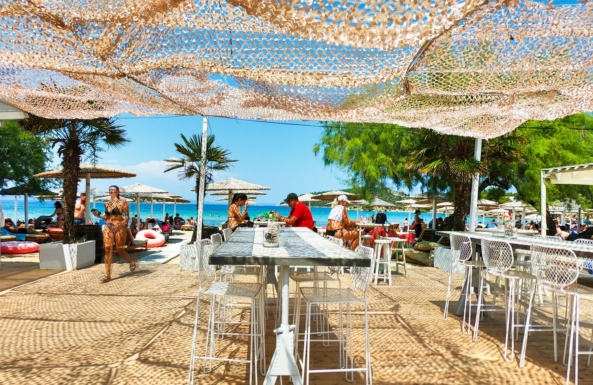 Talgo beach Premium Bar близо до остров Диапорос